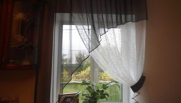 Ассимертичные кухонные шторы и багет в Харькове - Студия штор Магия