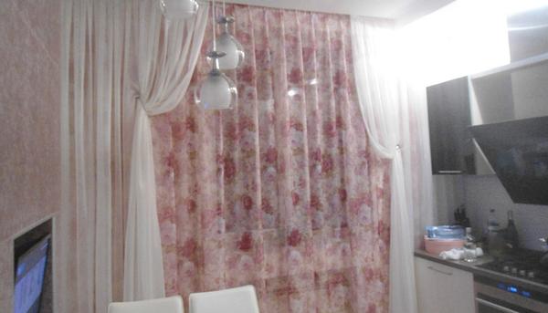 Красные ажурные кухонные шторы заказать в Харькове