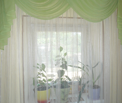 Шторы с зеленым оттенком для кухонного окна